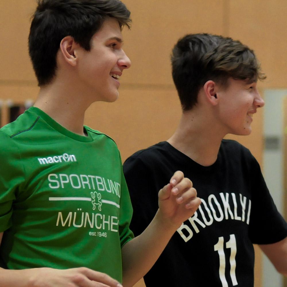 Lasse und Luka beim Basketball & Mind Camp 2020 des DJK Sportbund München