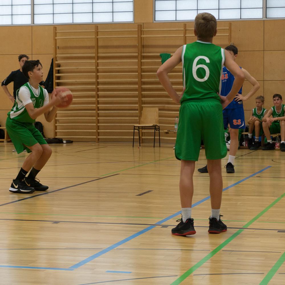 Arda beim Freiwurf im Qualifikations Spiel für die Landesliga des DJK SBM in München